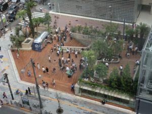 広場や公道を巻き込んだエリアマネジメント、東京ミッドタウン日比谷